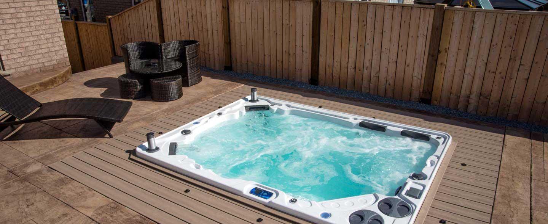 Hydropool LT   H700 HOT TUB